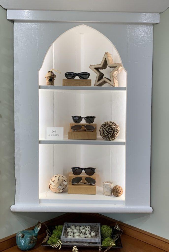 Corner Frame Display